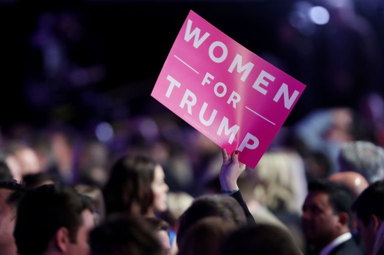 gallery-1478704816-women-for-trump