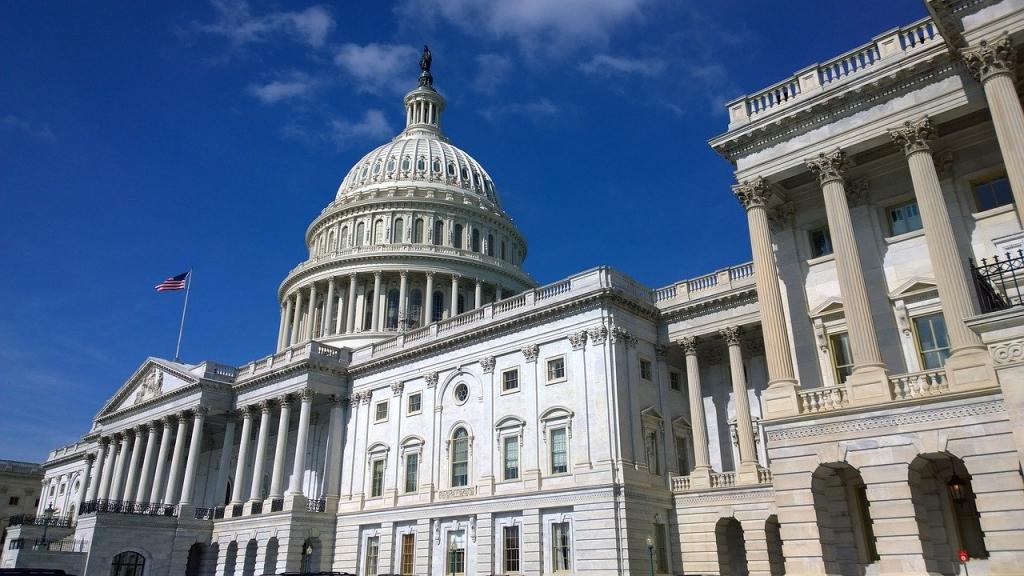 united-states-capitol-1675540_1280